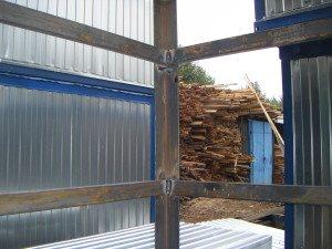 Швы металлического каркаса полностью проварены и соответствуют ГОСТ